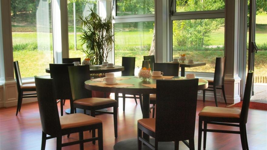 Quality hotel golf rosny sous bois rosny sous bois for Reservation hotel meilleur prix