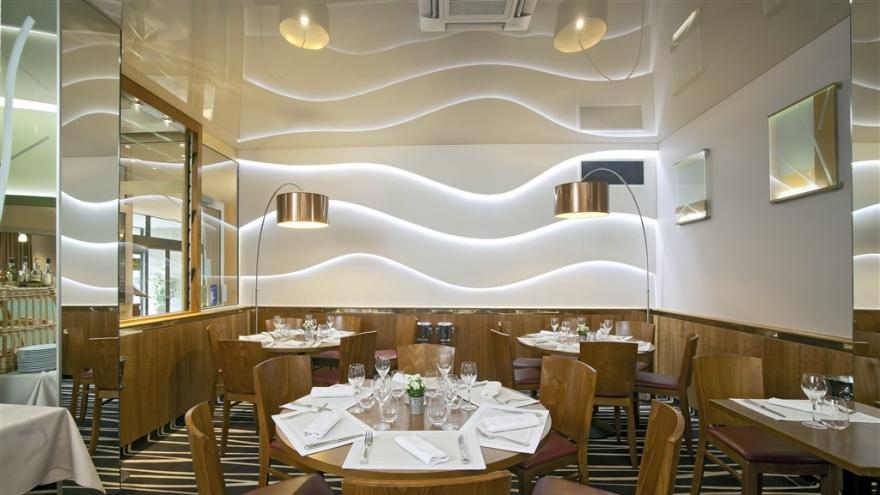 Qualys hotel nanterre paris la d fense nanterre for Reservation hotel meilleur prix
